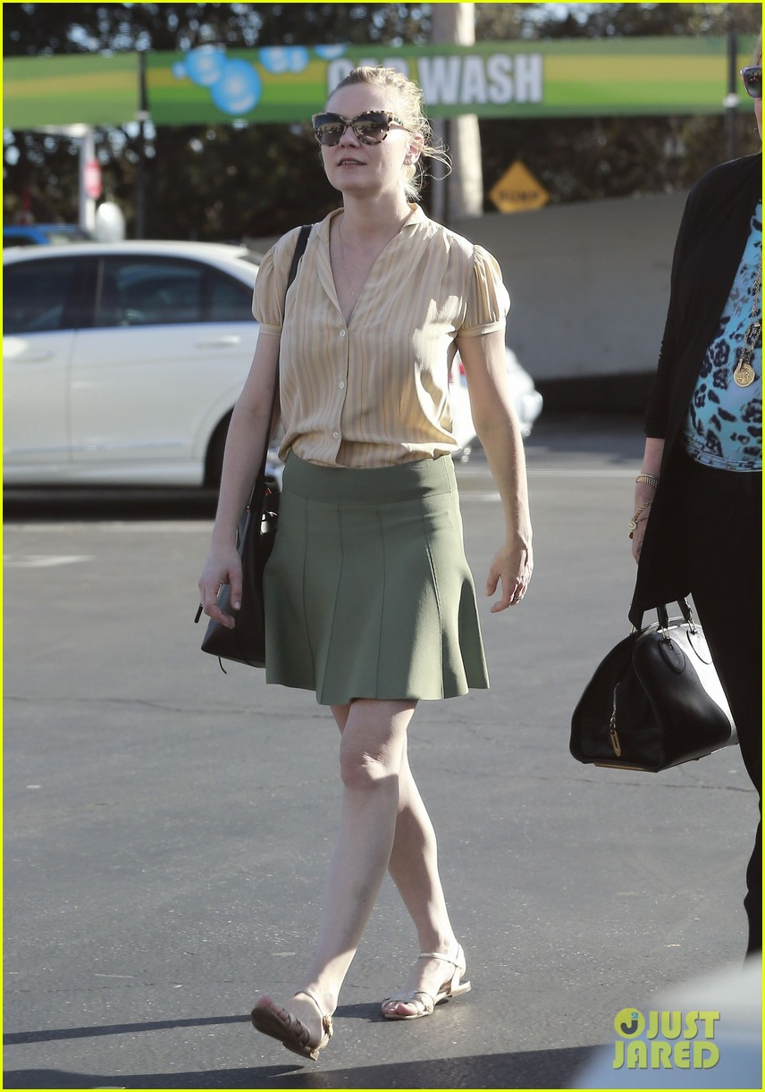 kirsten dunst mall visit with mom 132991588