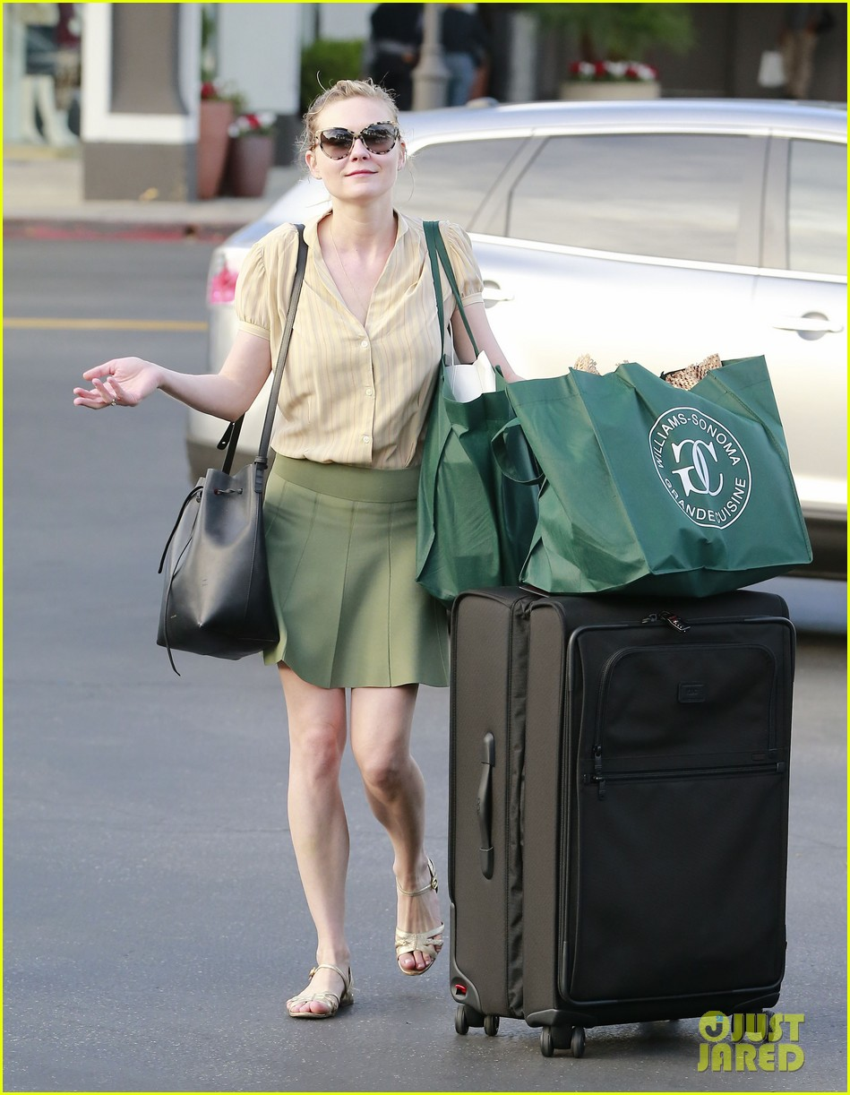 kirsten dunst mall visit with mom 202991595