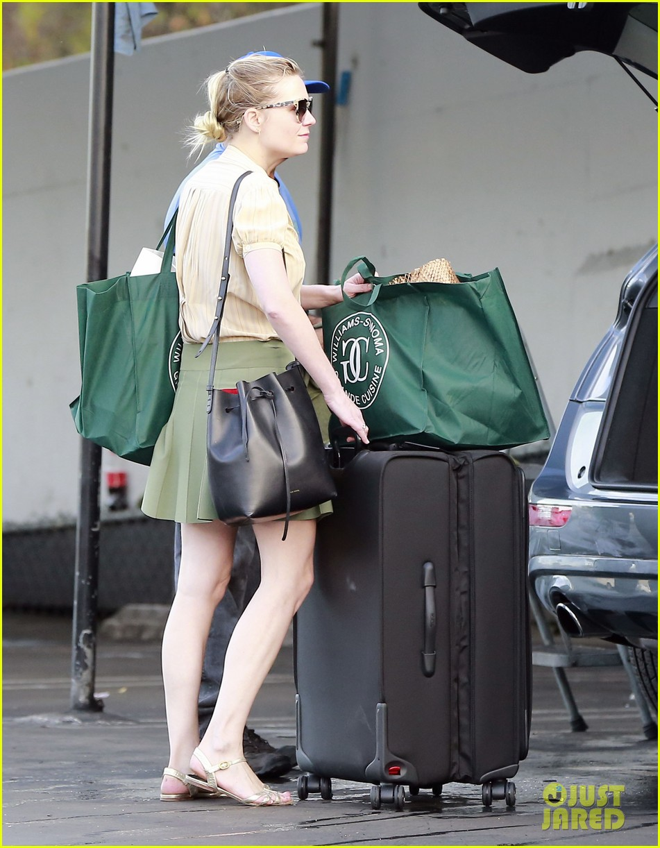 kirsten dunst mall visit with mom 272991602