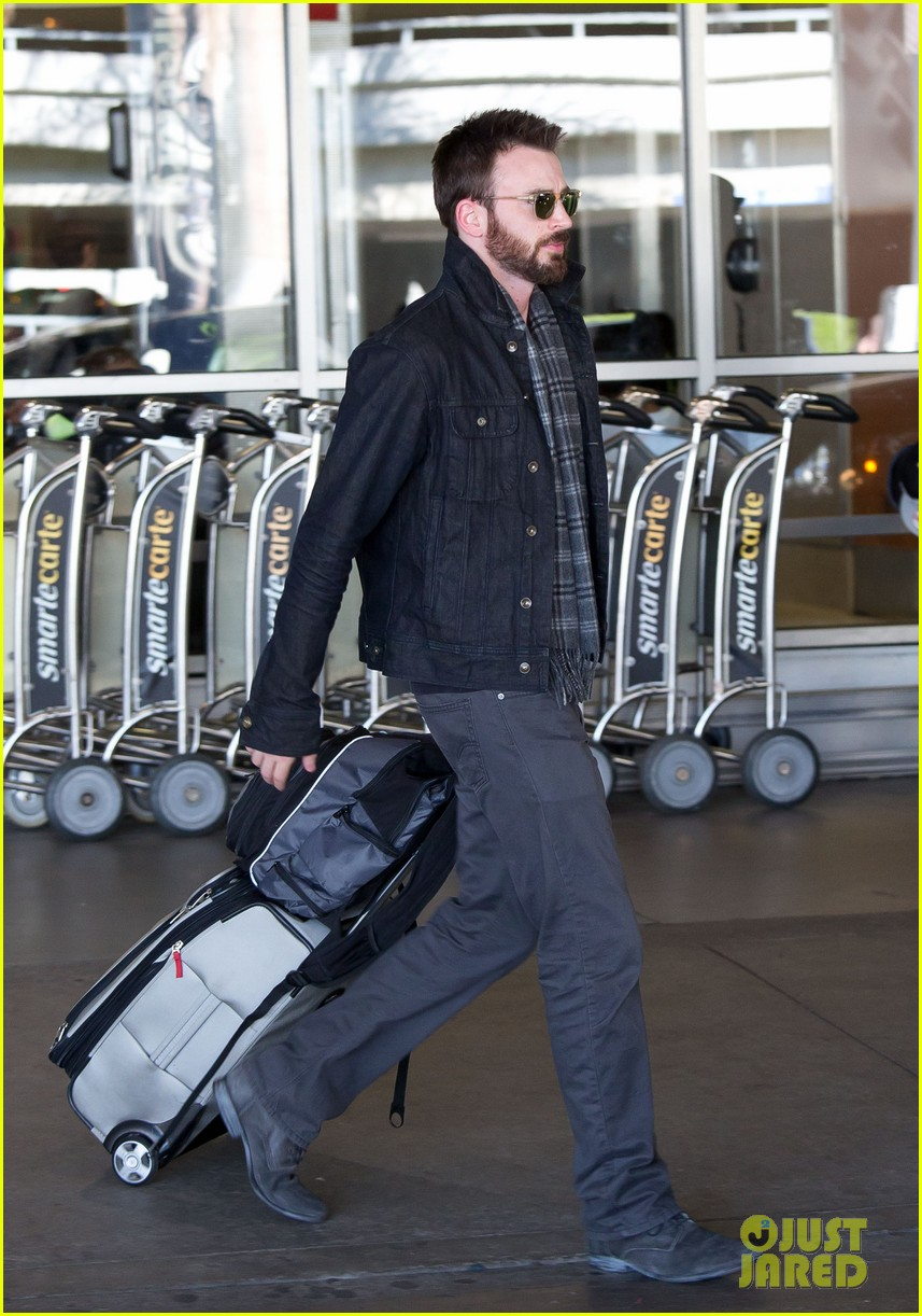 chris evans steps out after split from minka kelly 03