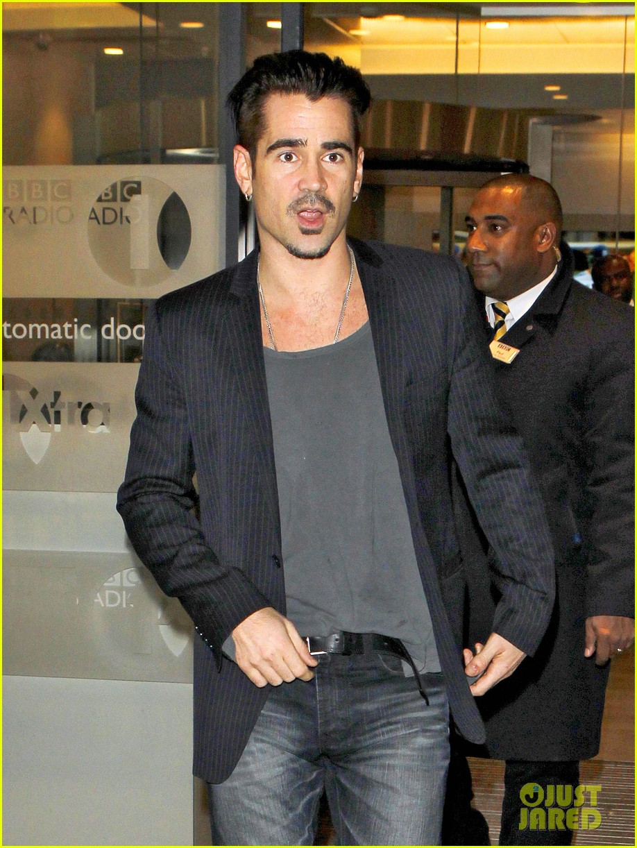 colin farrell relates alcohol struggles to saving mr banks character 043002180