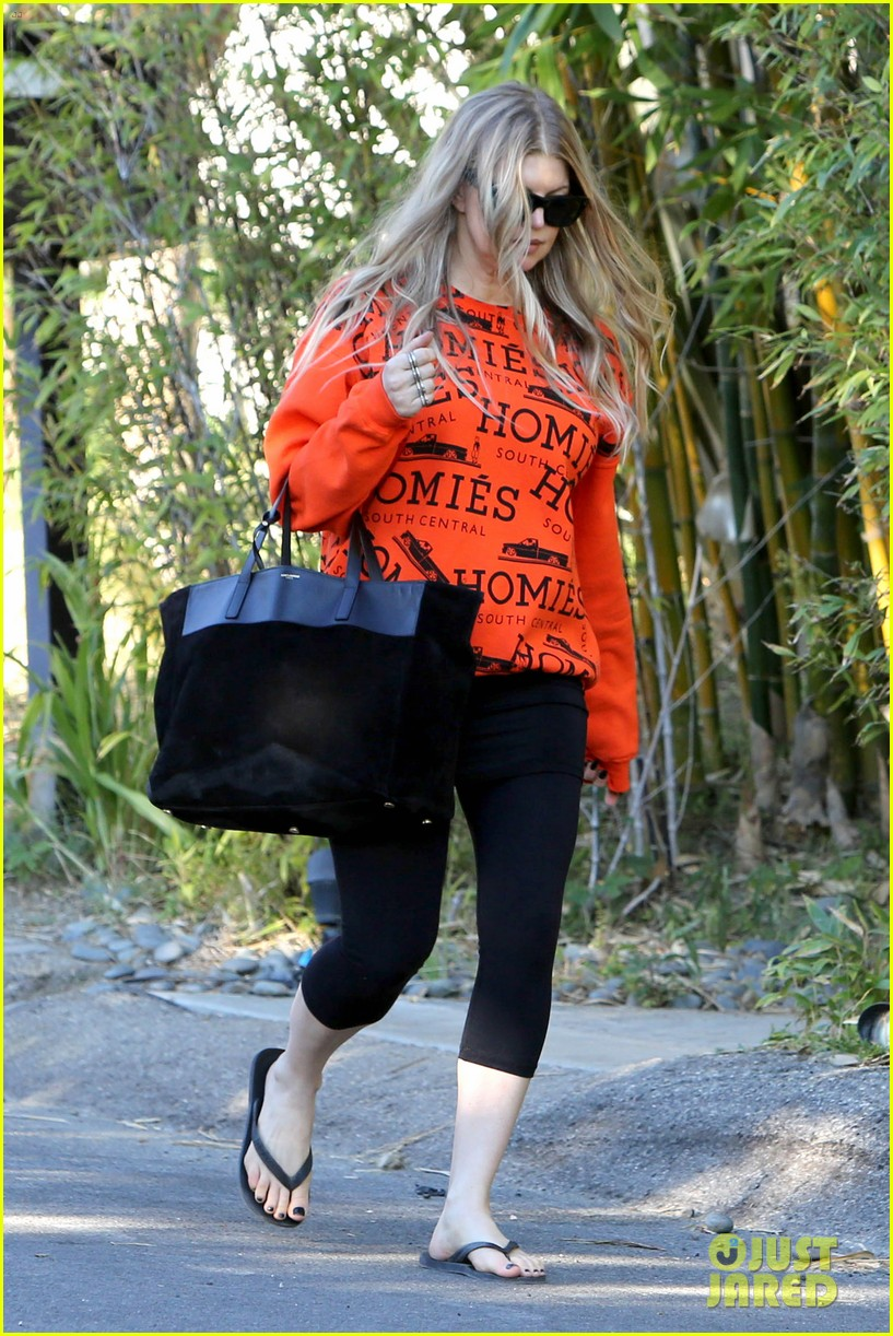 fergie halloween festive in orange sweatshirt 132983728