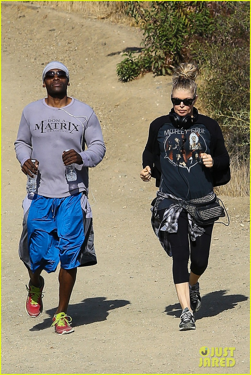 fergie rocks out with motley crue for sunday afternoon hike 032995433