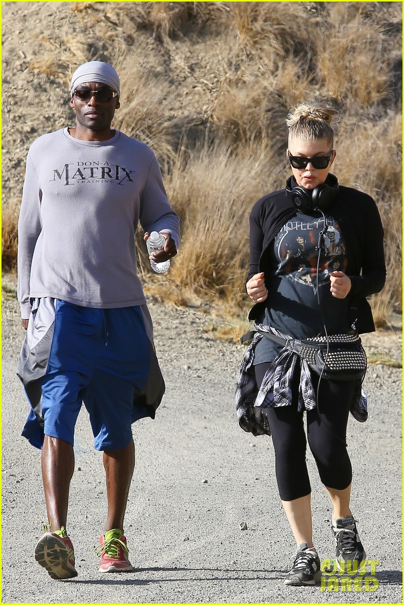 fergie rocks out with motley crue for sunday afternoon hike 132995443
