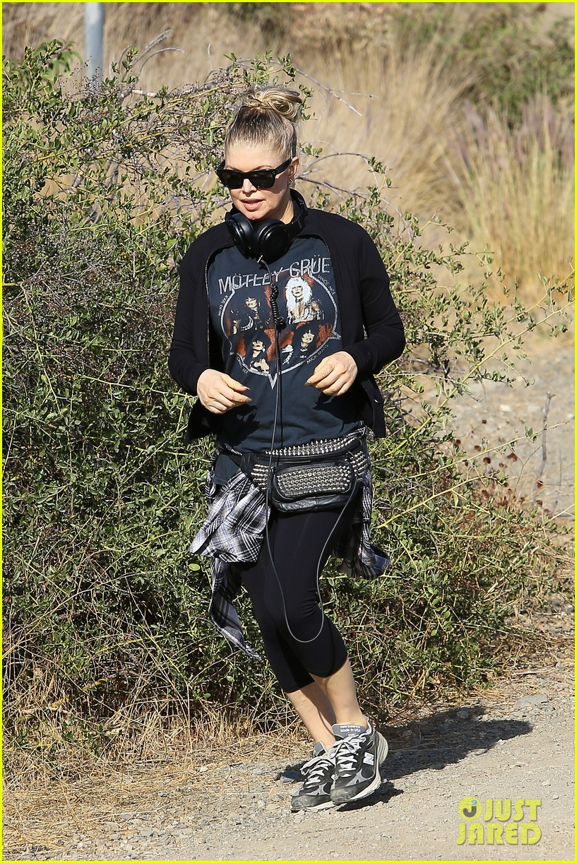 fergie rocks out with motley crue for sunday afternoon hike 172995447