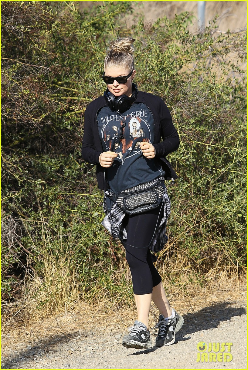 fergie rocks out with motley crue for sunday afternoon hike 192995449