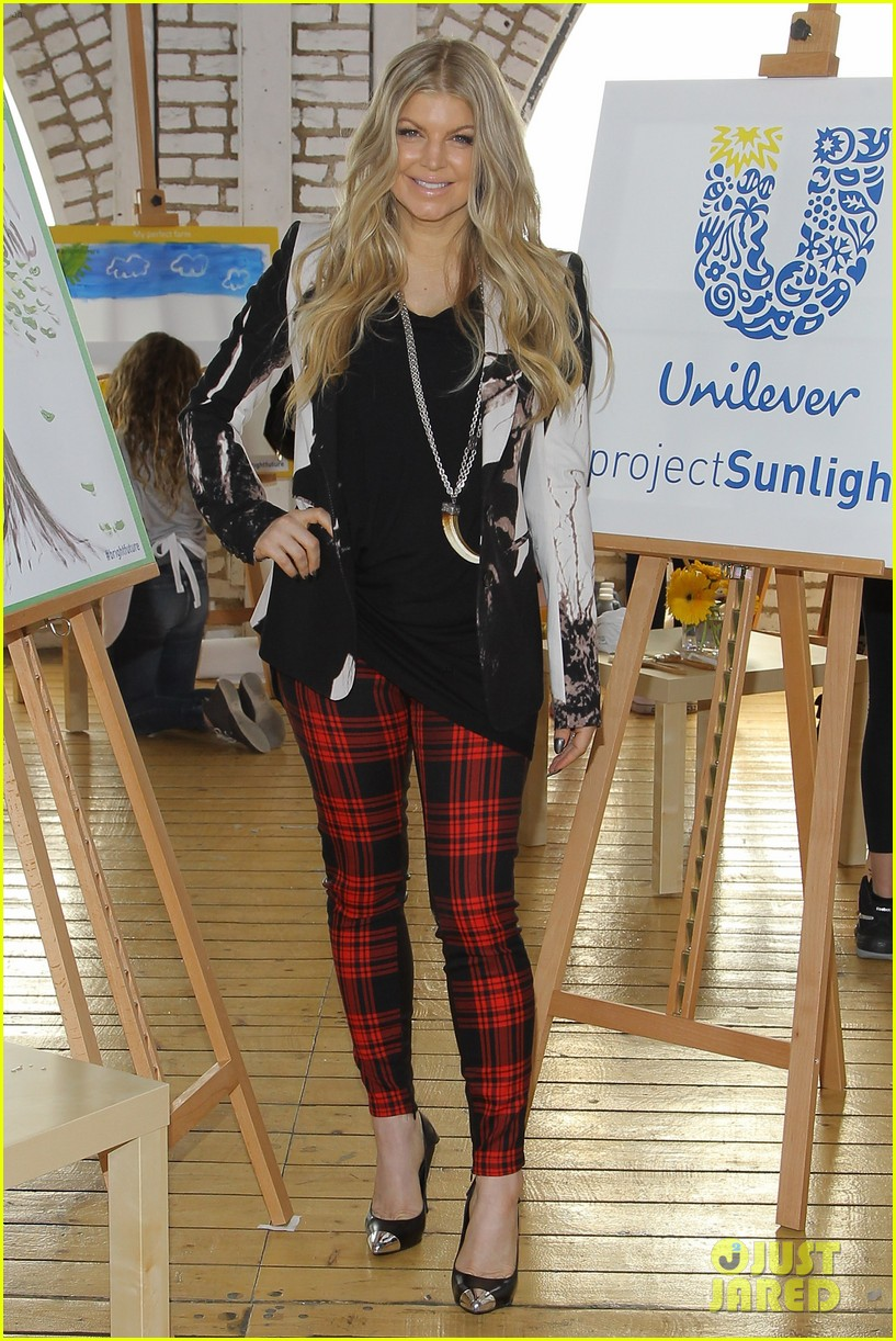 fergie launches global program for universal childrens day 012996736