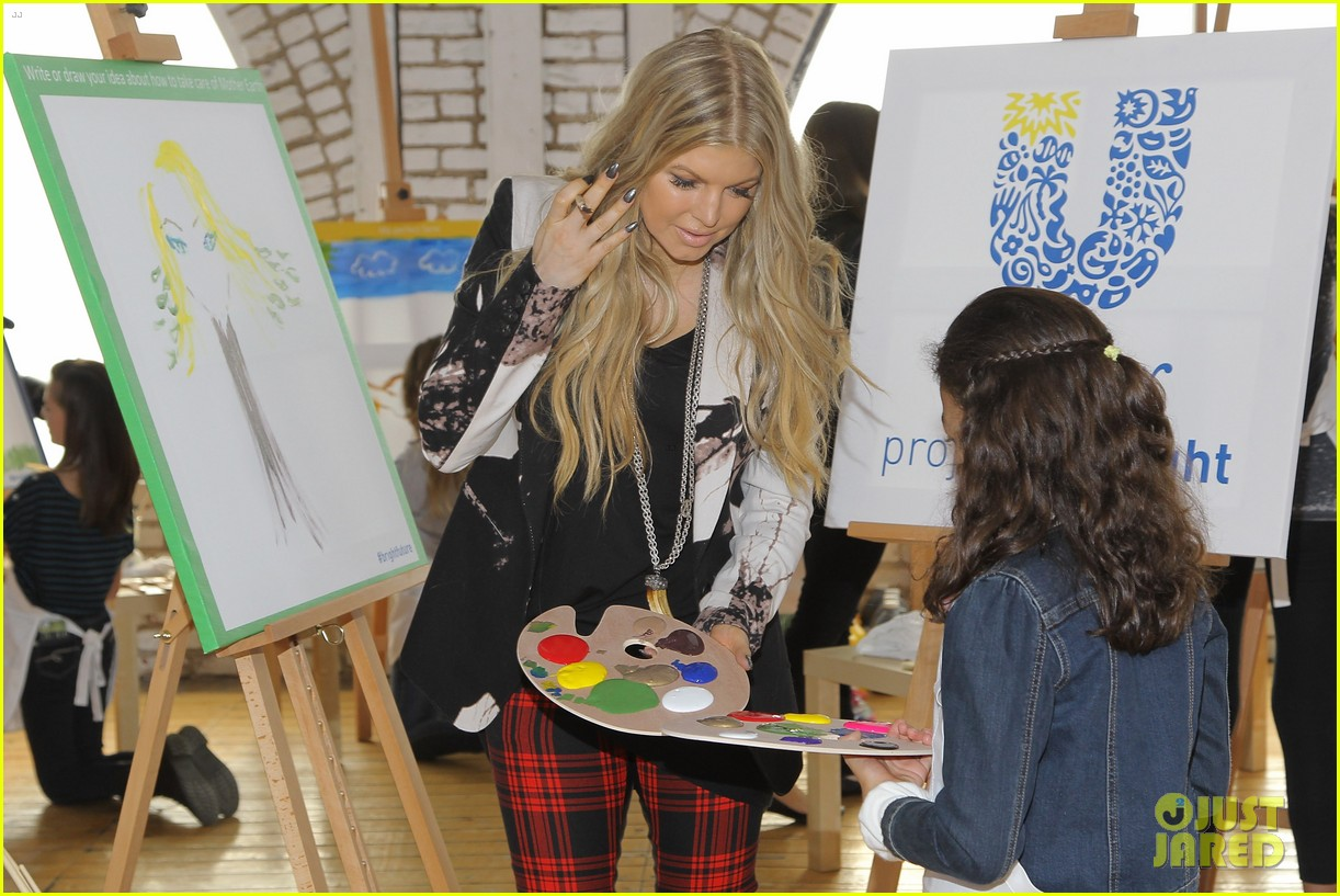 fergie launches global program for universal childrens day 072996742