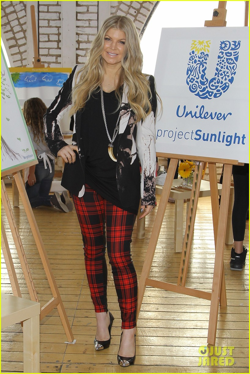 fergie launches global program for universal childrens day 112996746