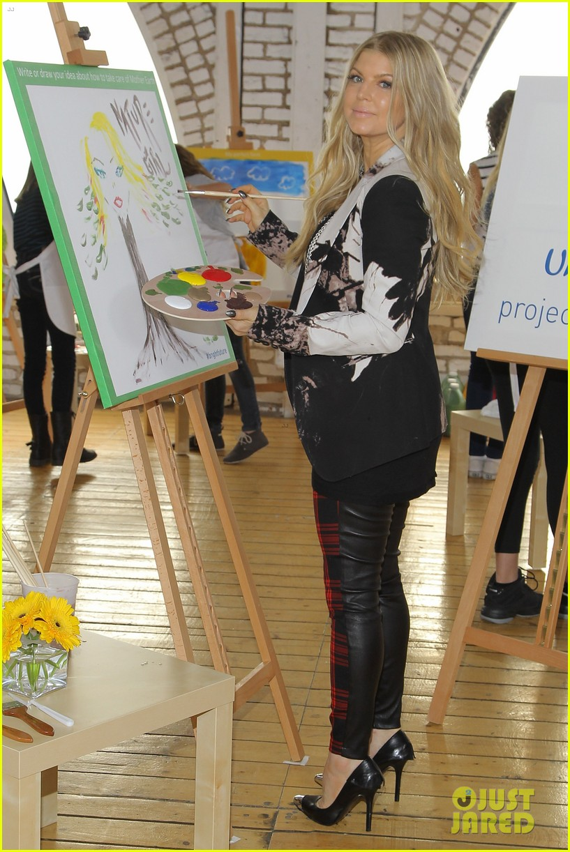 fergie launches global program for universal childrens day 132996748