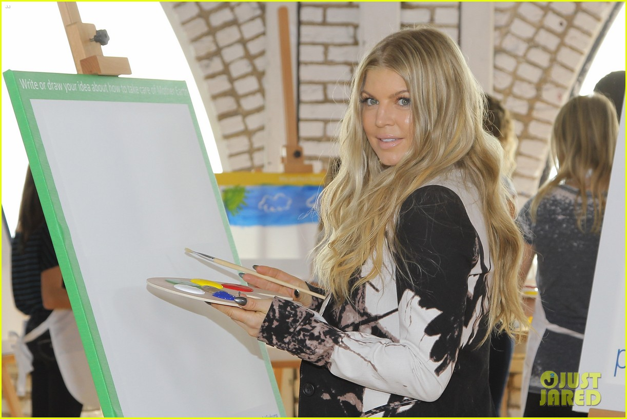 fergie launches global program for universal childrens day 172996752
