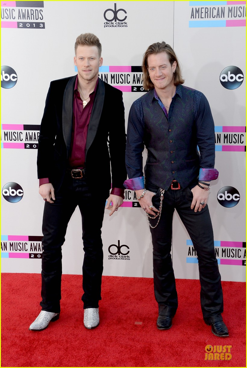 Florida Georgia Line Nelly Amas 2017 Red Carpet Photo 2999459 American Music Awards Brian Kelley Tyler Hubbard