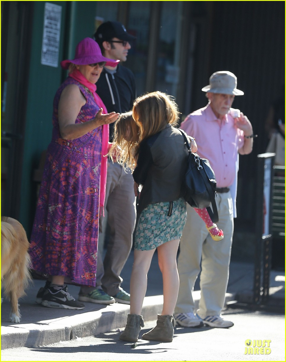 isla fisher sacha baron cohen katsuya lunch with parents 032988759