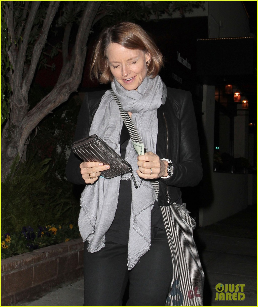 jodie foster enjoys date night with alexandra hedison 042988460