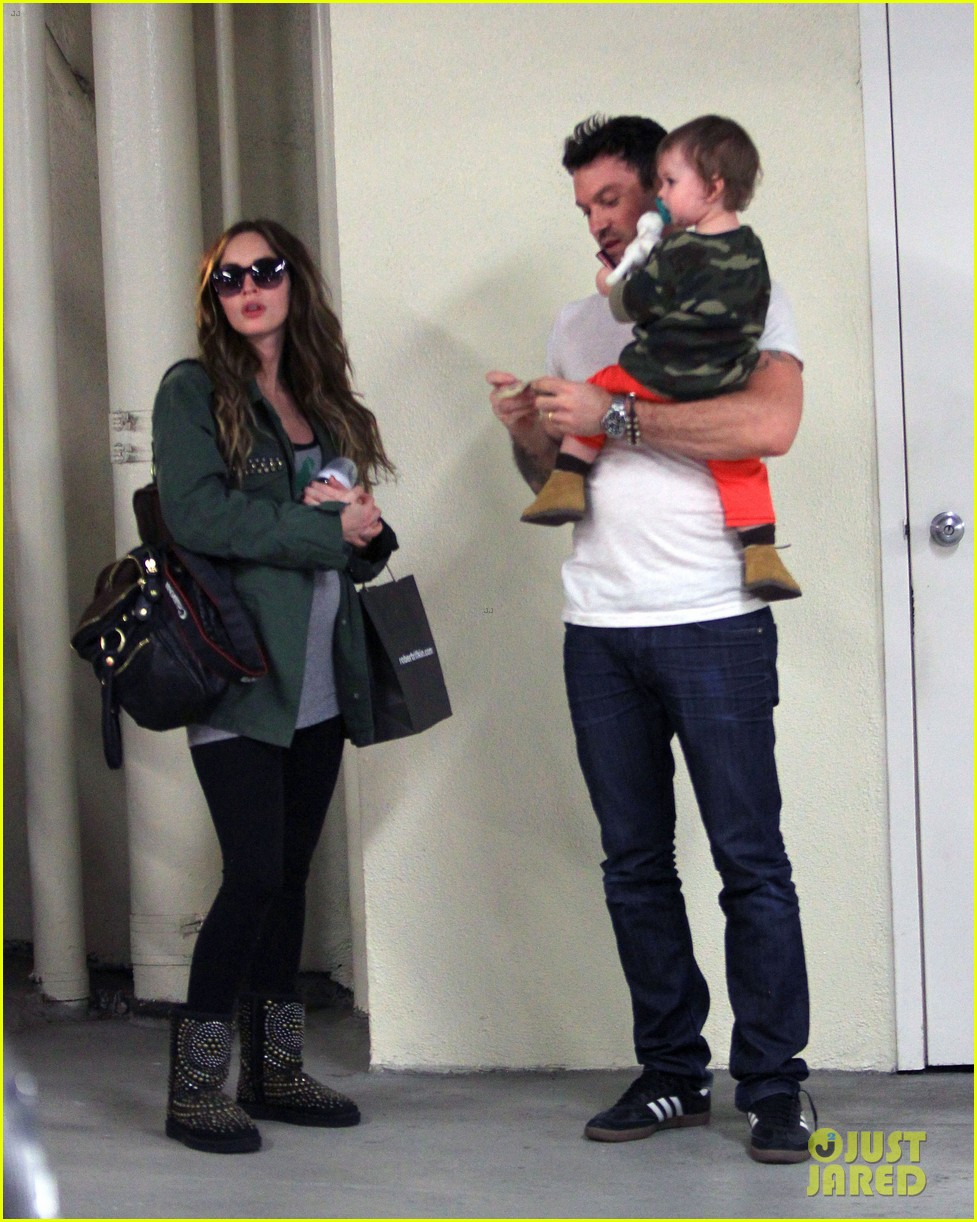 megan fox brian austin green take noah to the doctor 013000945