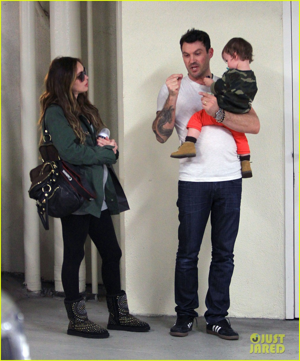 megan fox brian austin green take noah to the doctor 05
