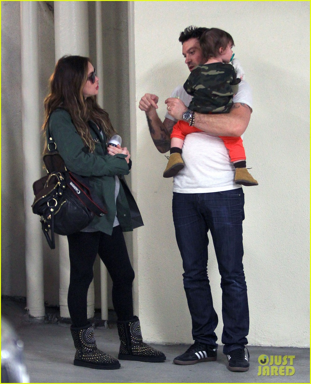 megan fox brian austin green take noah to the doctor 223000966