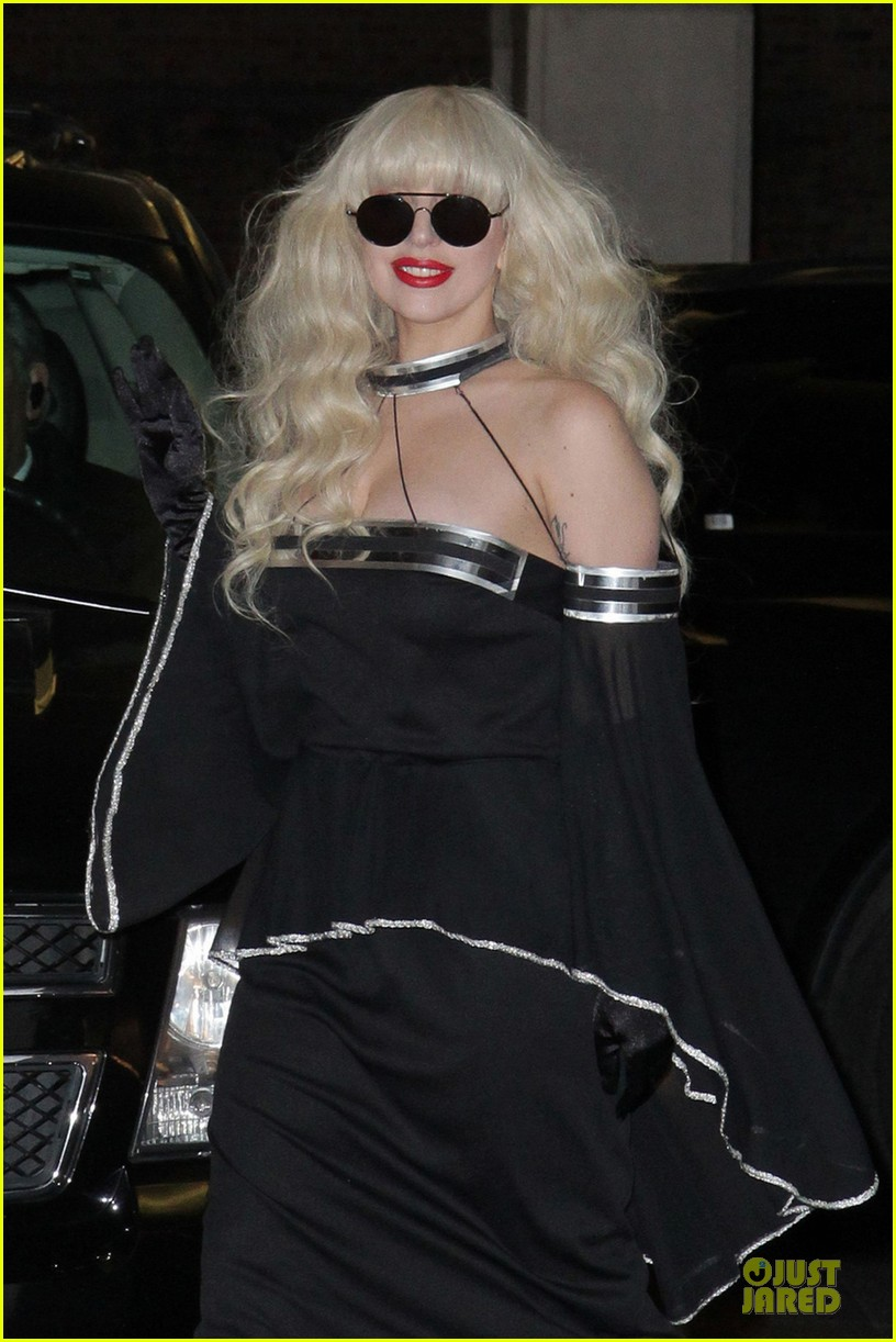 lady gaga artpop is platinum in canada 042995818