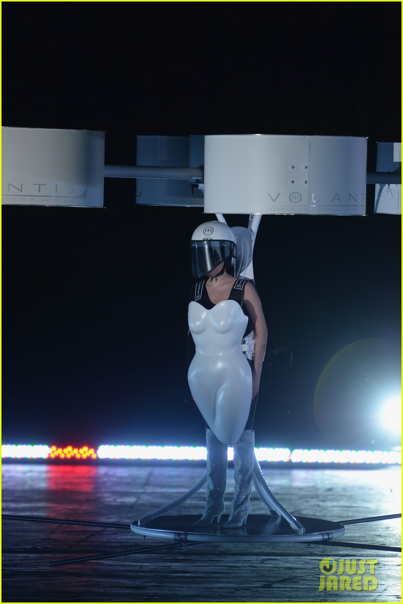 lady gaga debuts flying dress at artrage listening party 07