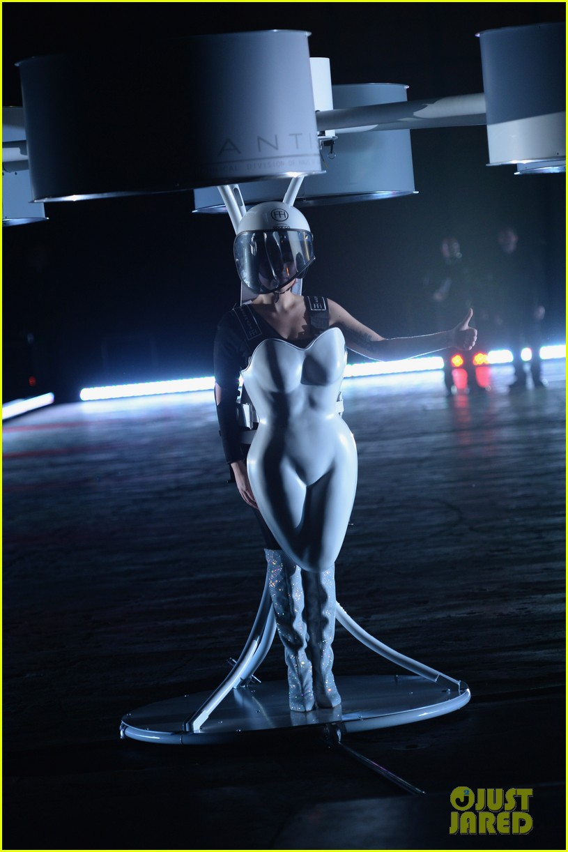 lady gaga debuts flying dress at artrage listening party 142990016