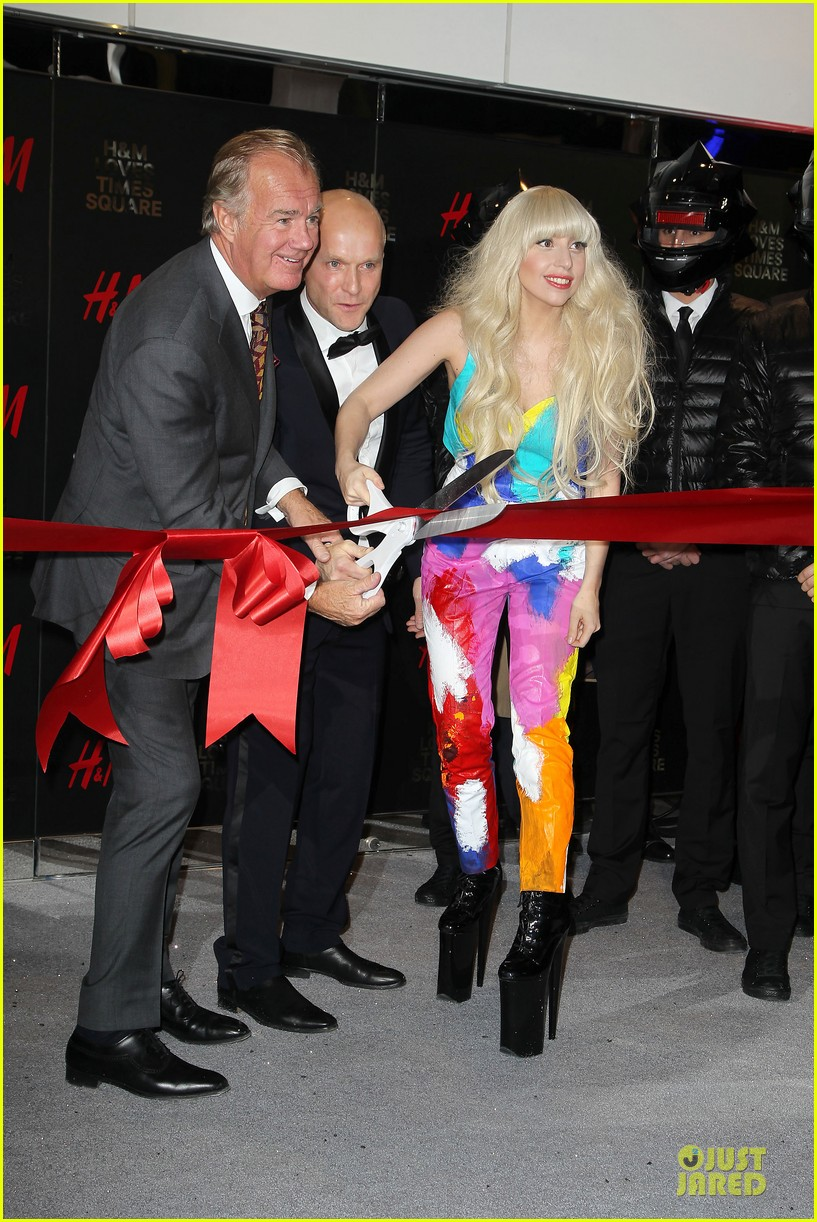 lady gaga cuts red ribbon at hm store opening 052992399