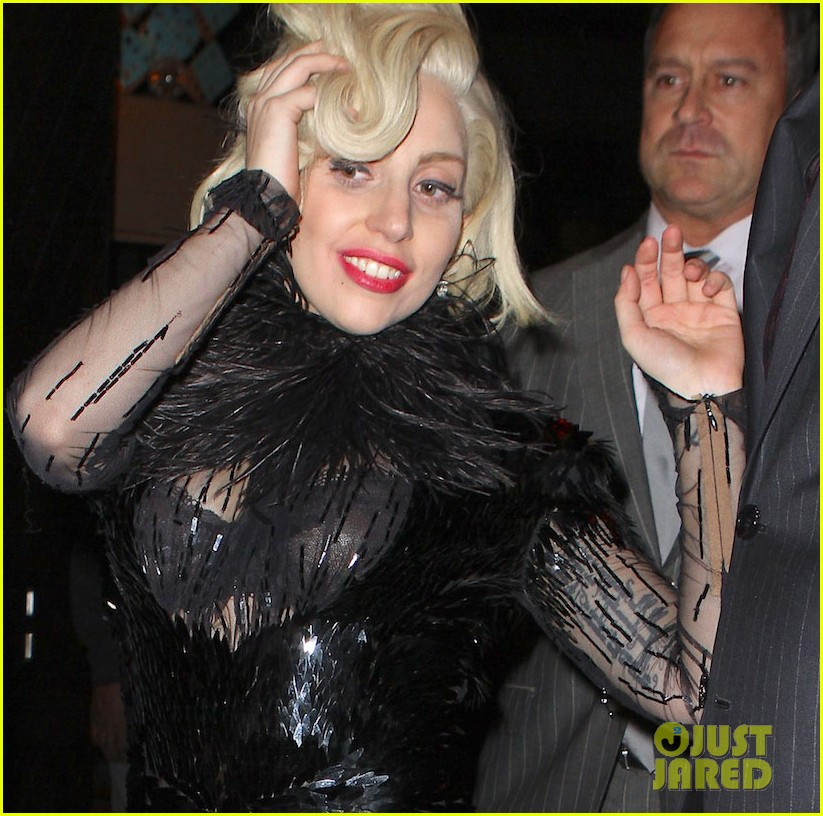 lady gaga lives for the applause in sketch video 052994589