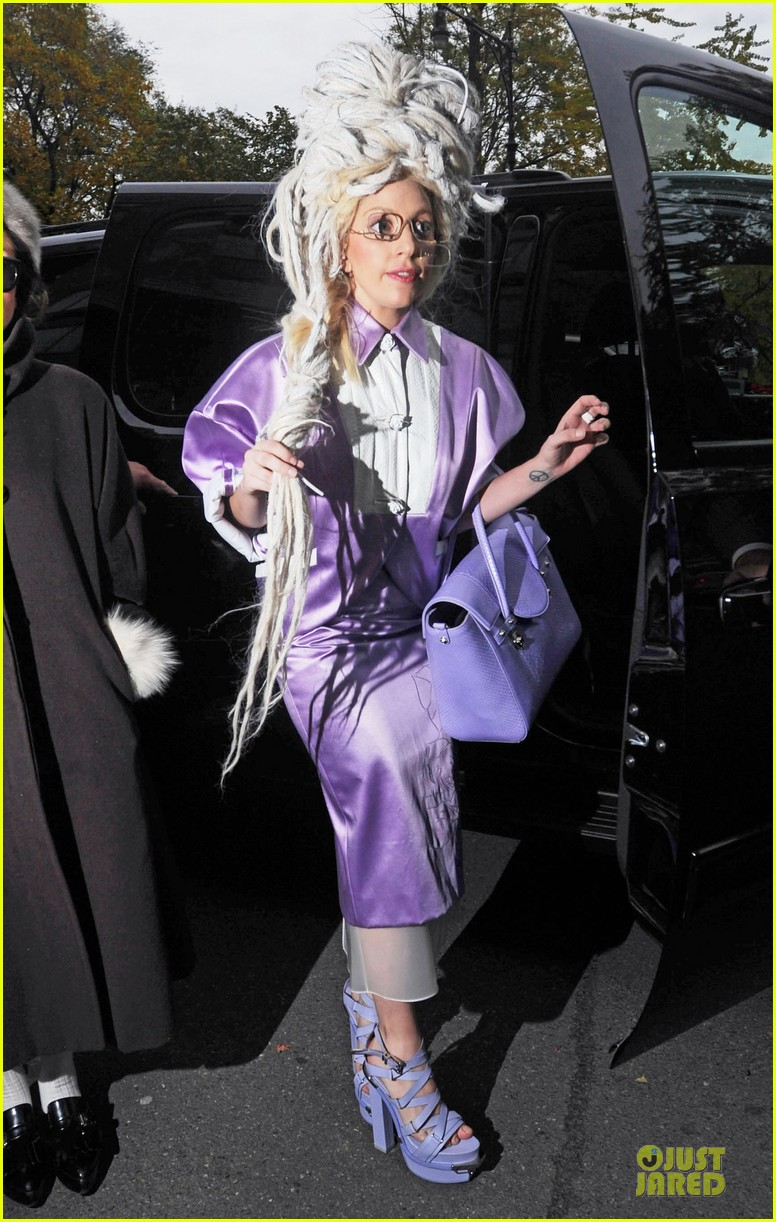 lady gaga wears huge white wig for snl rehearsals 032990620