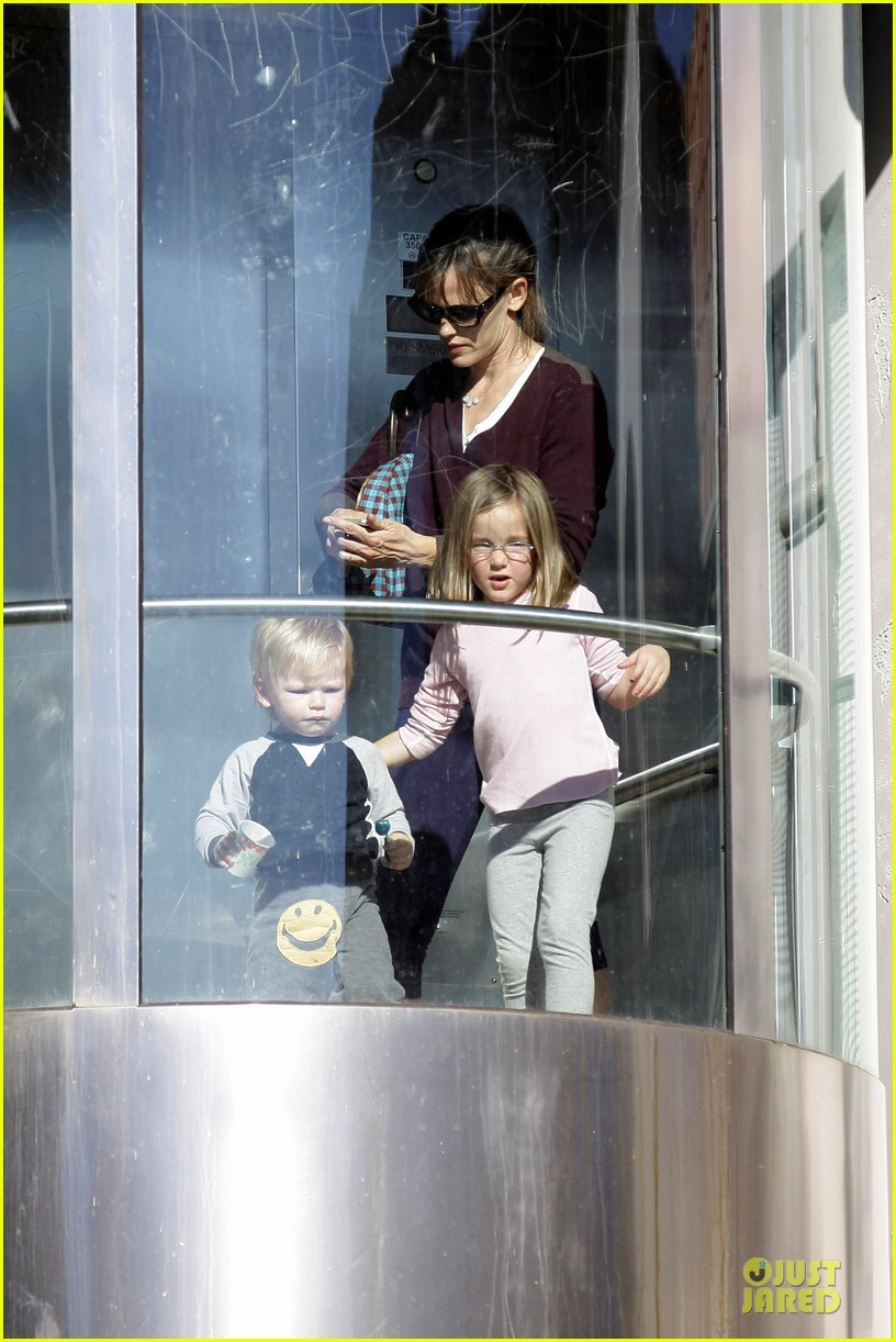 jennifer garner errands with kids after halloween 042984610