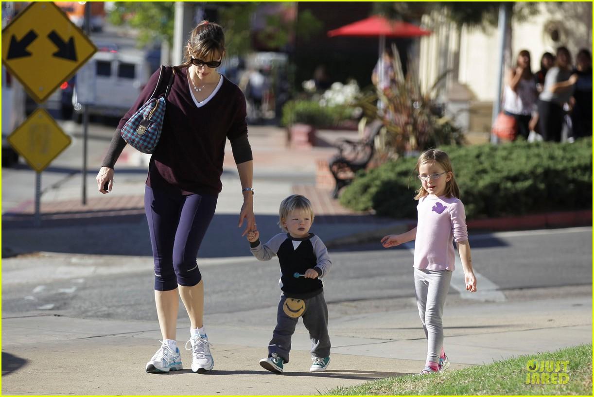 jennifer garner errands with kids after halloween 172984623