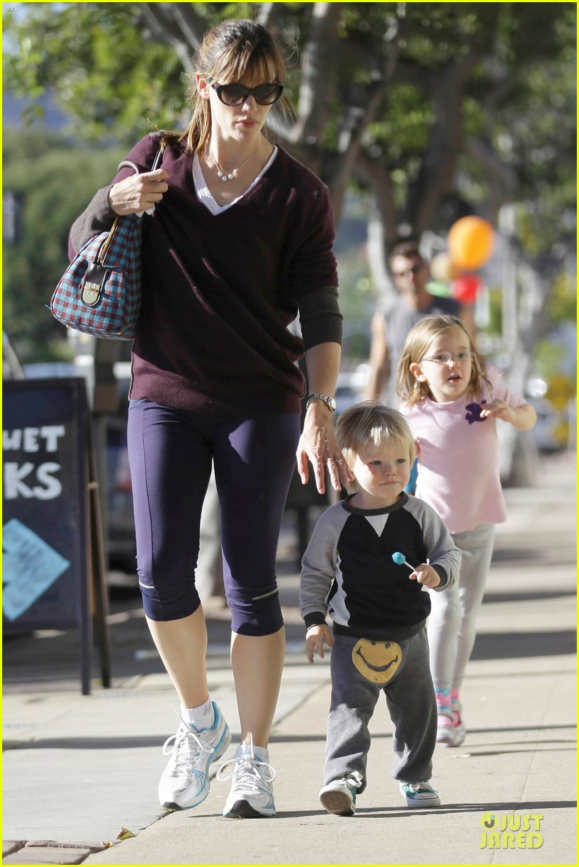 jennifer garner errands with kids after halloween 242984630