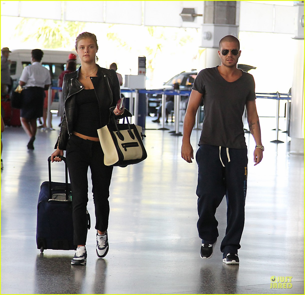 max george nina agdal goodbye kiss at barbados airport 033002539