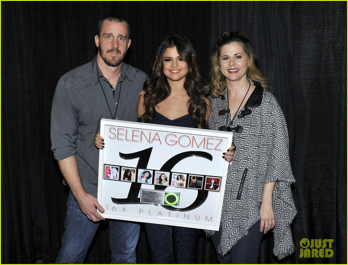 selena gomez platinum plaque before los angeles concert 012987484
