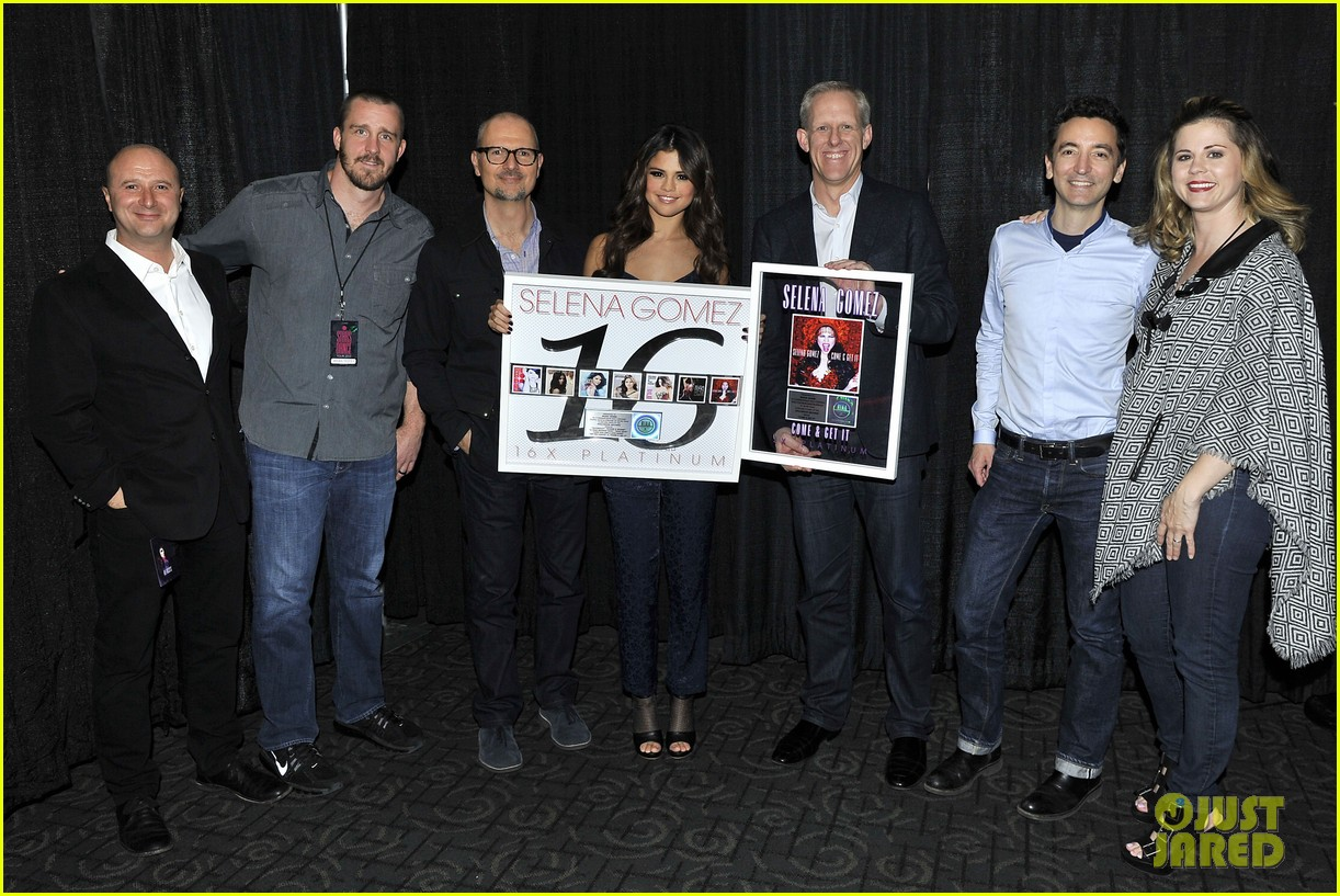 selena gomez platinum plaque before los angeles concert 152987498