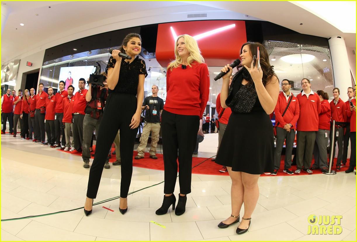 selena gomez verizons destination store opening 062997155