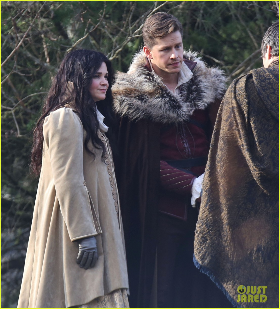 ginnifer goodwin cradles baby bump kisses josh dallas on set 143002084