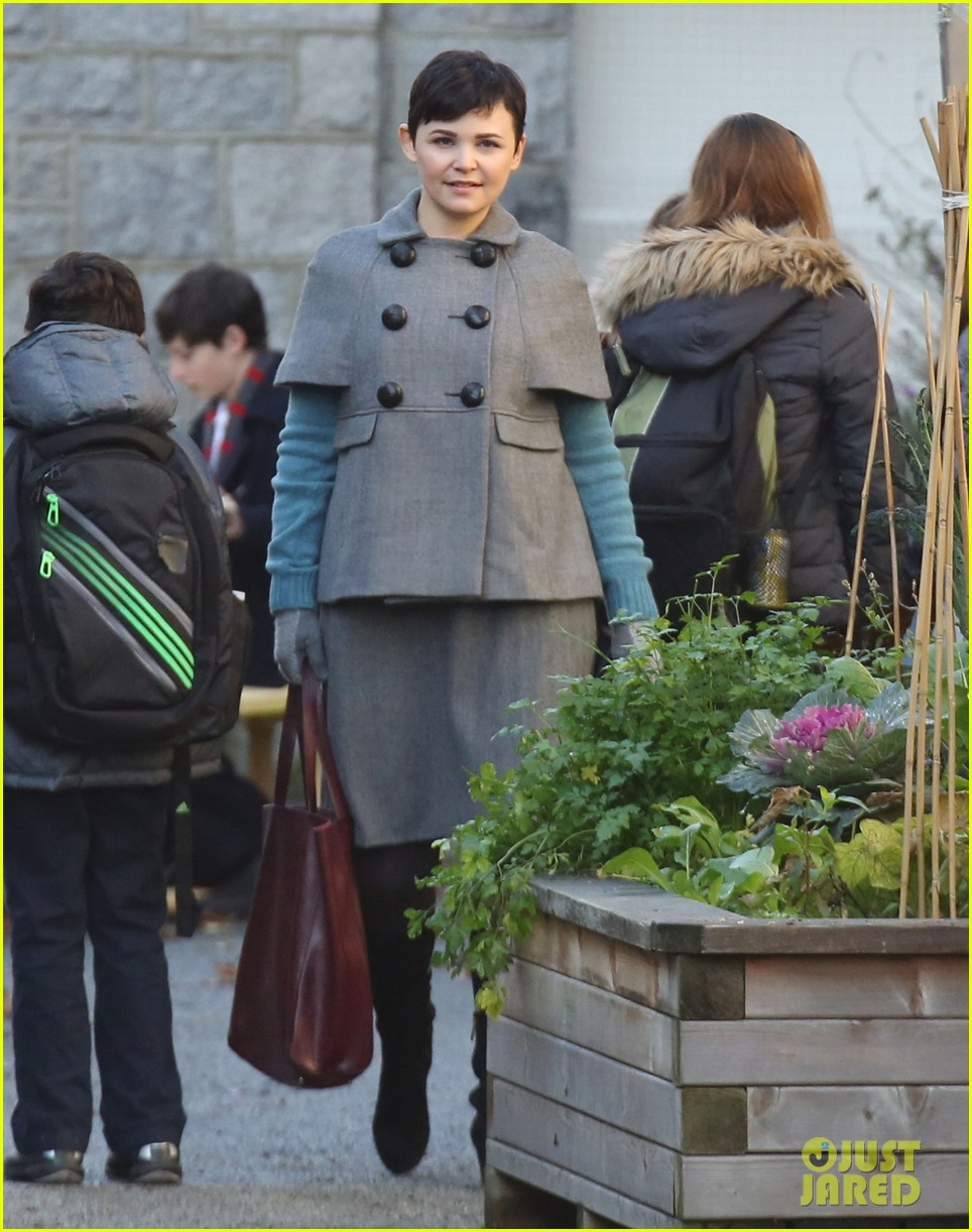 ginnifer goodwin steps out after killing kennedy breaks ratings records 032993091
