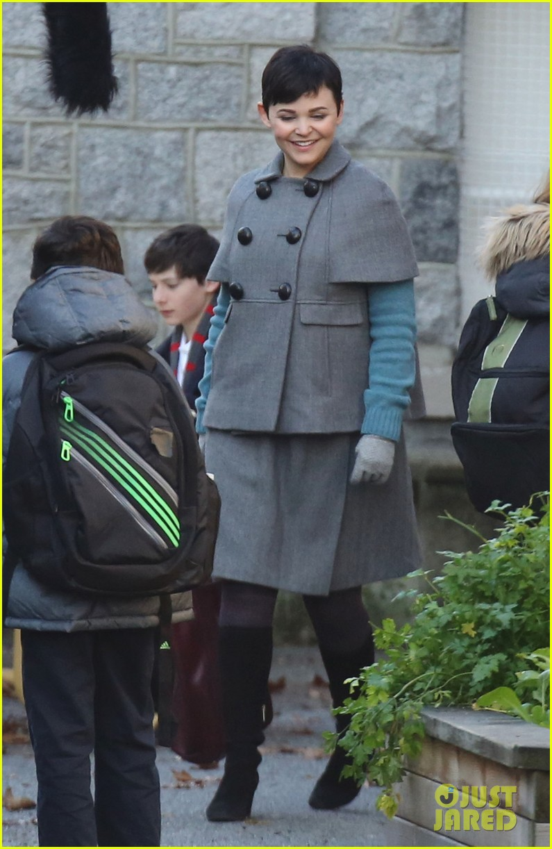 ginnifer goodwin steps out after killing kennedy breaks ratings records 072993095