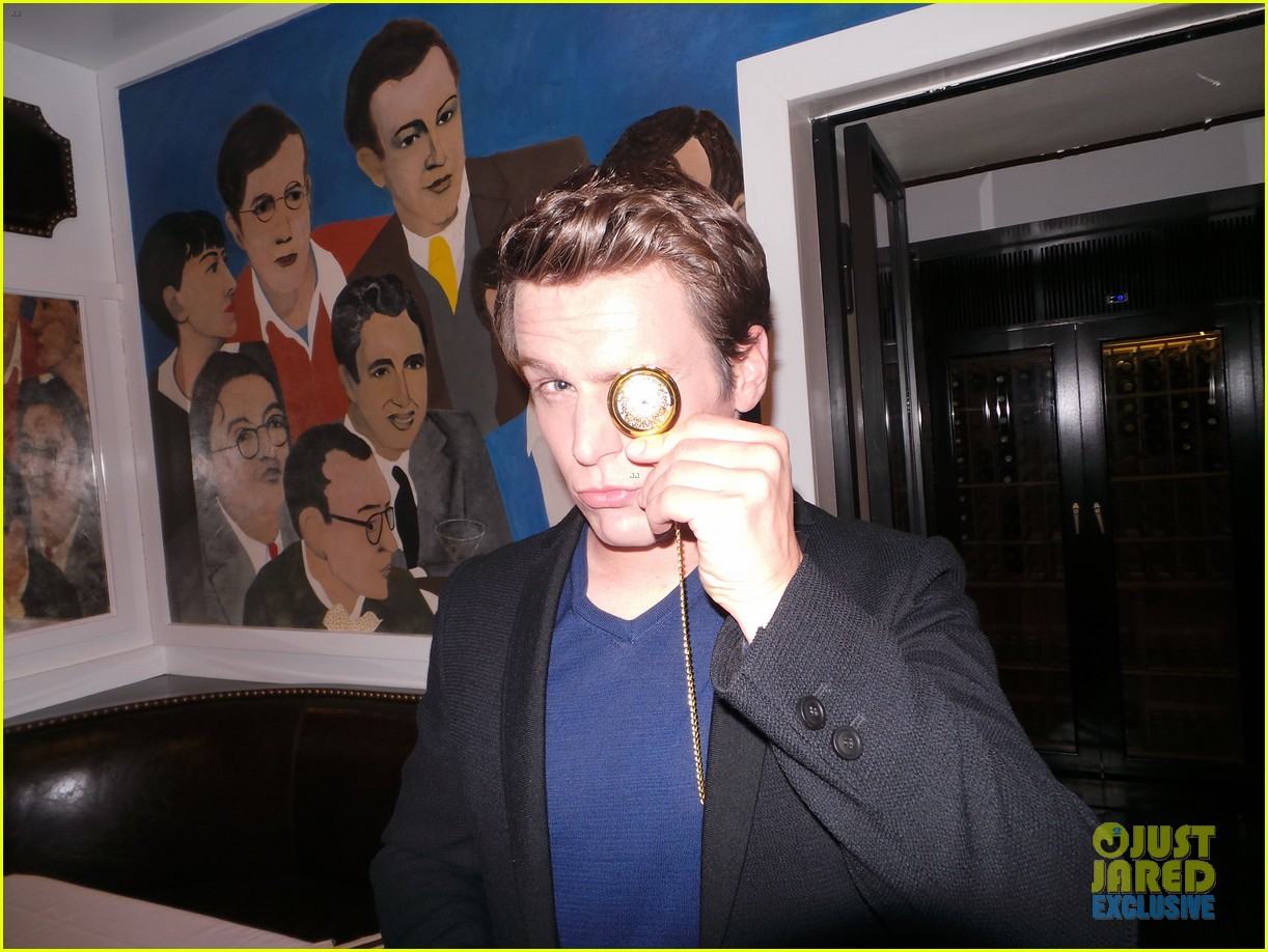 jonathan groff jj spotlight of the week behind the scenes pics 063000309