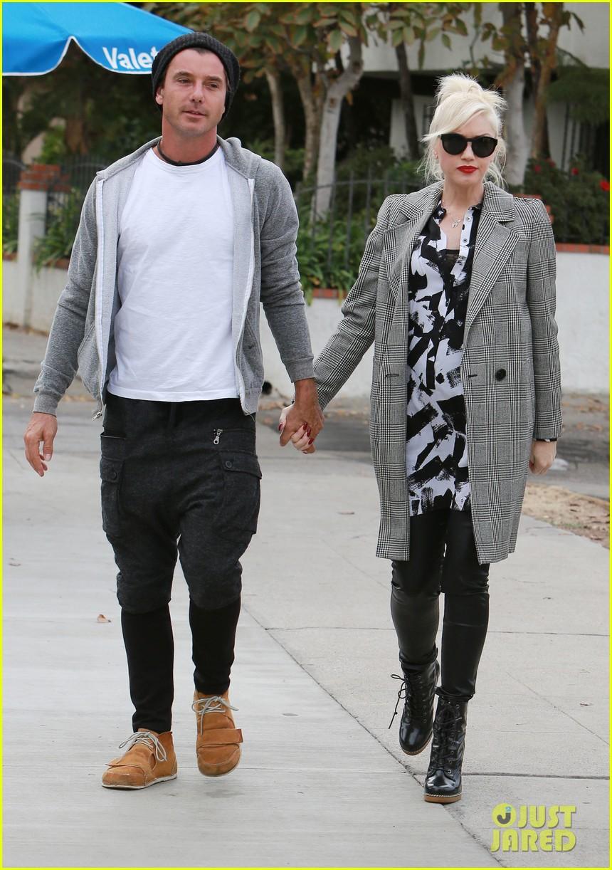 Gwen Stefani: OPI Nail Polish Campaign Behind-the-Scenes Pics ...