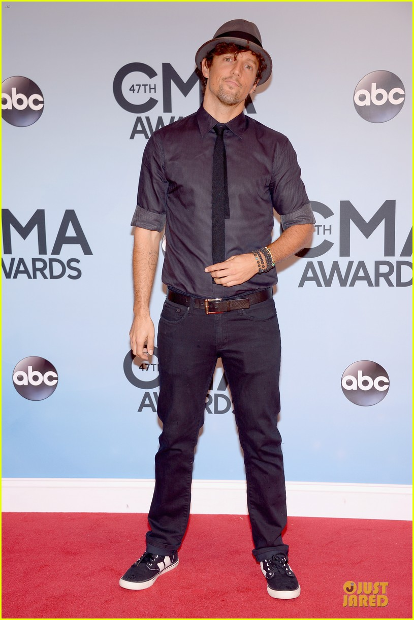 lucy hale colbie caillat cma awards 2013 red carpet 122987236