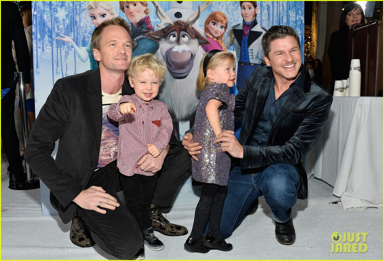 neil patrick harris frozen premiere with the family 012996435