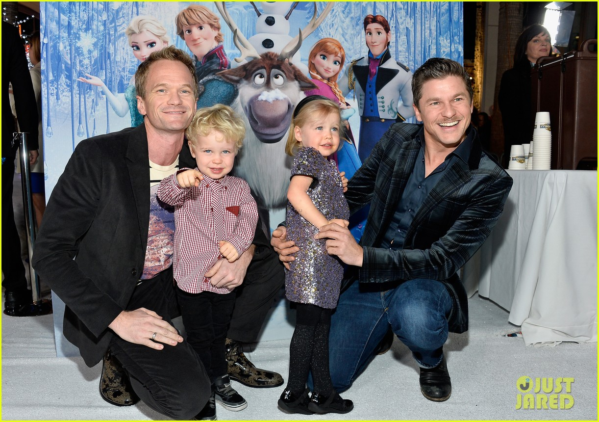 neil patrick harris frozen premiere with the family 032996437