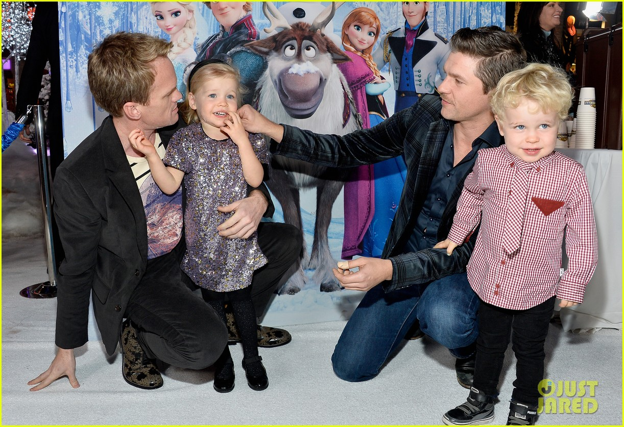 neil patrick harris frozen premiere with the family 092996443