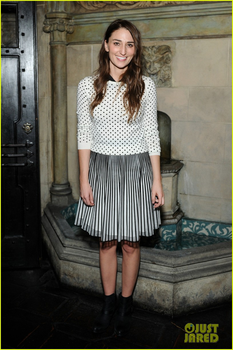 anne hathaway rashida jones fine by dannijones dinner 052992780