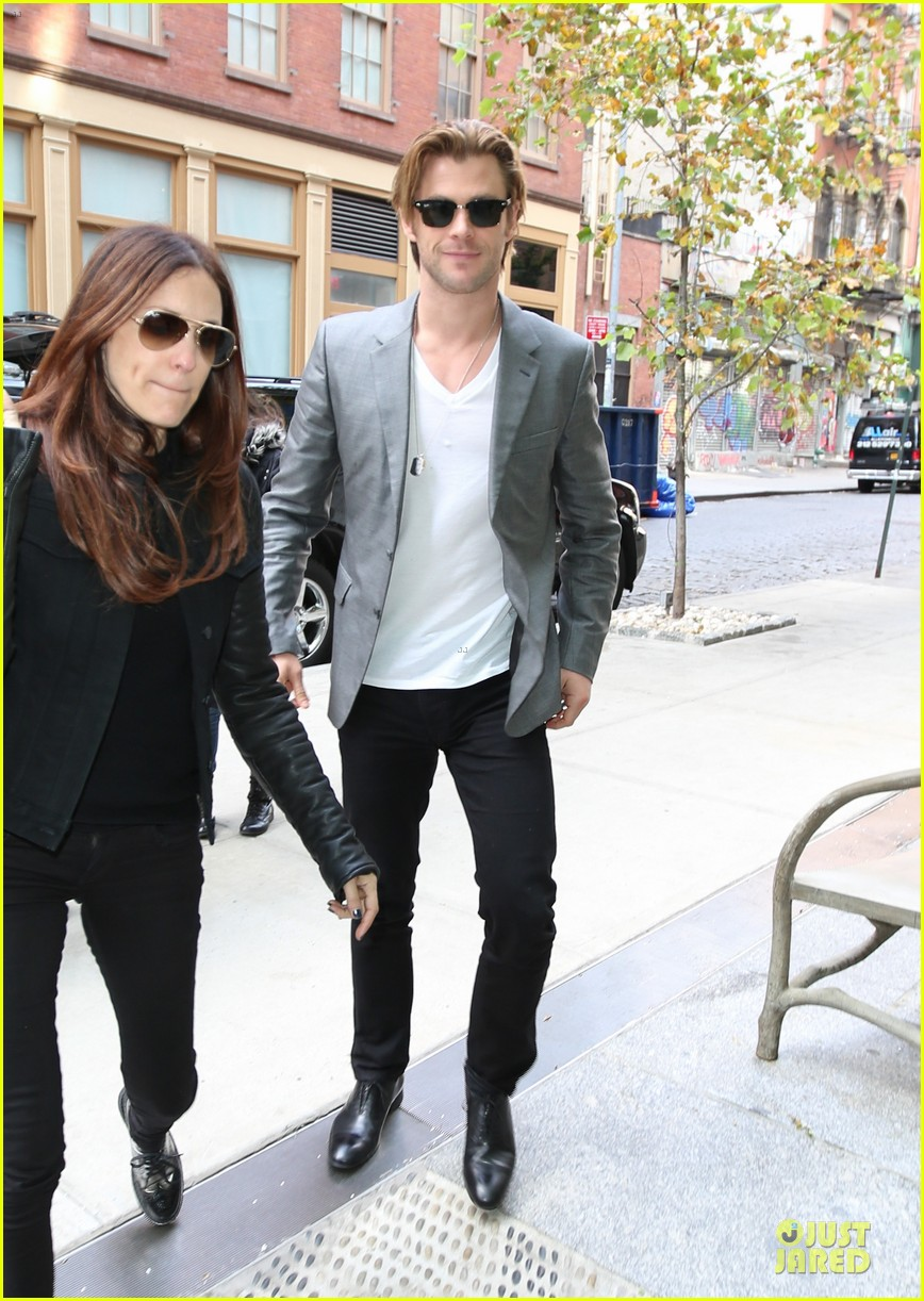 chris hemsworth different blazers for thor nyc promotion 022986634