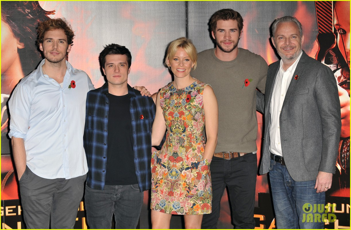 liam hemsworth josh hutcherson catching fire london photo call 052990211