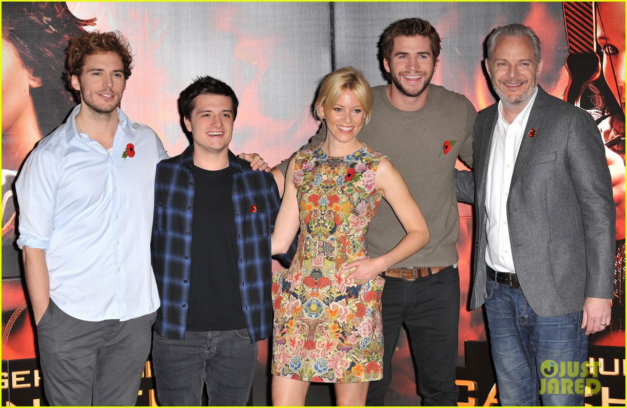 liam hemsworth josh hutcherson catching fire london photo call 252990231