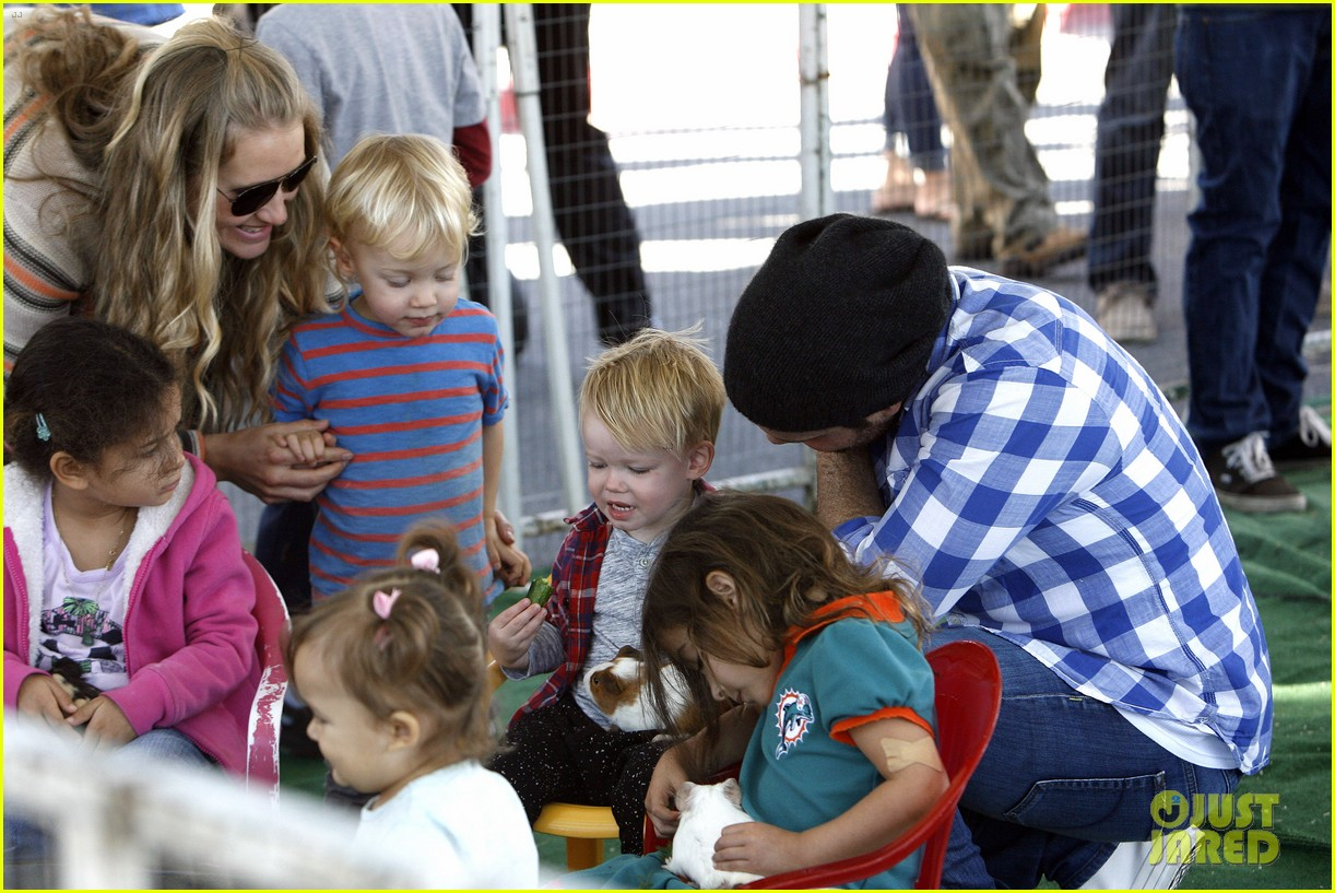 hilary duff mike comrie petting zoo with luca 212999137