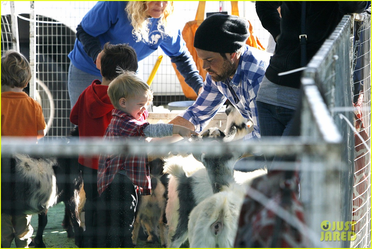 hilary duff mike comrie petting zoo with luca 252999141