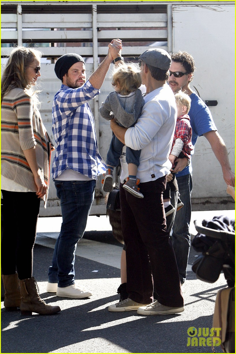 hilary duff mike comrie petting zoo with luca 292999145